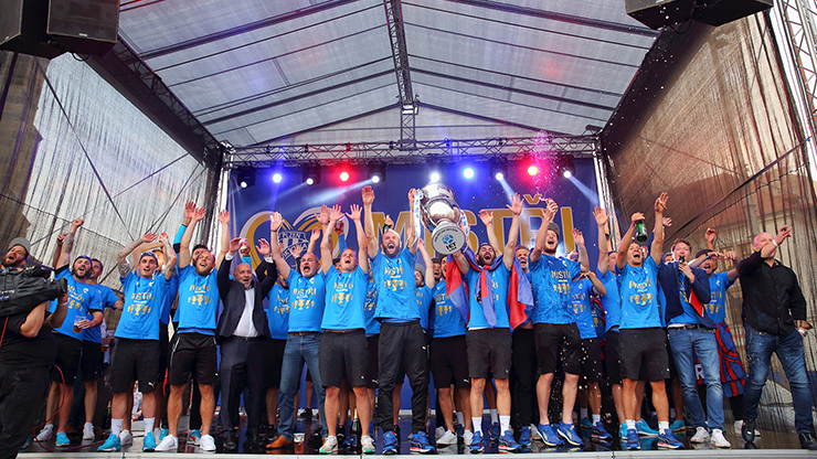 The champion title celebrations attracted thousands of Viktorians. Thank you!