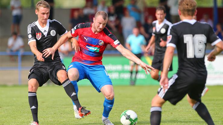 Jakub Moravec Beating Off